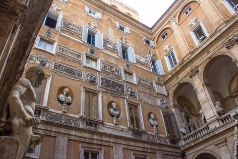 Римские дворы-музеи