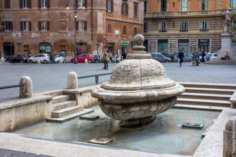 Необычные фонтаны Рима
